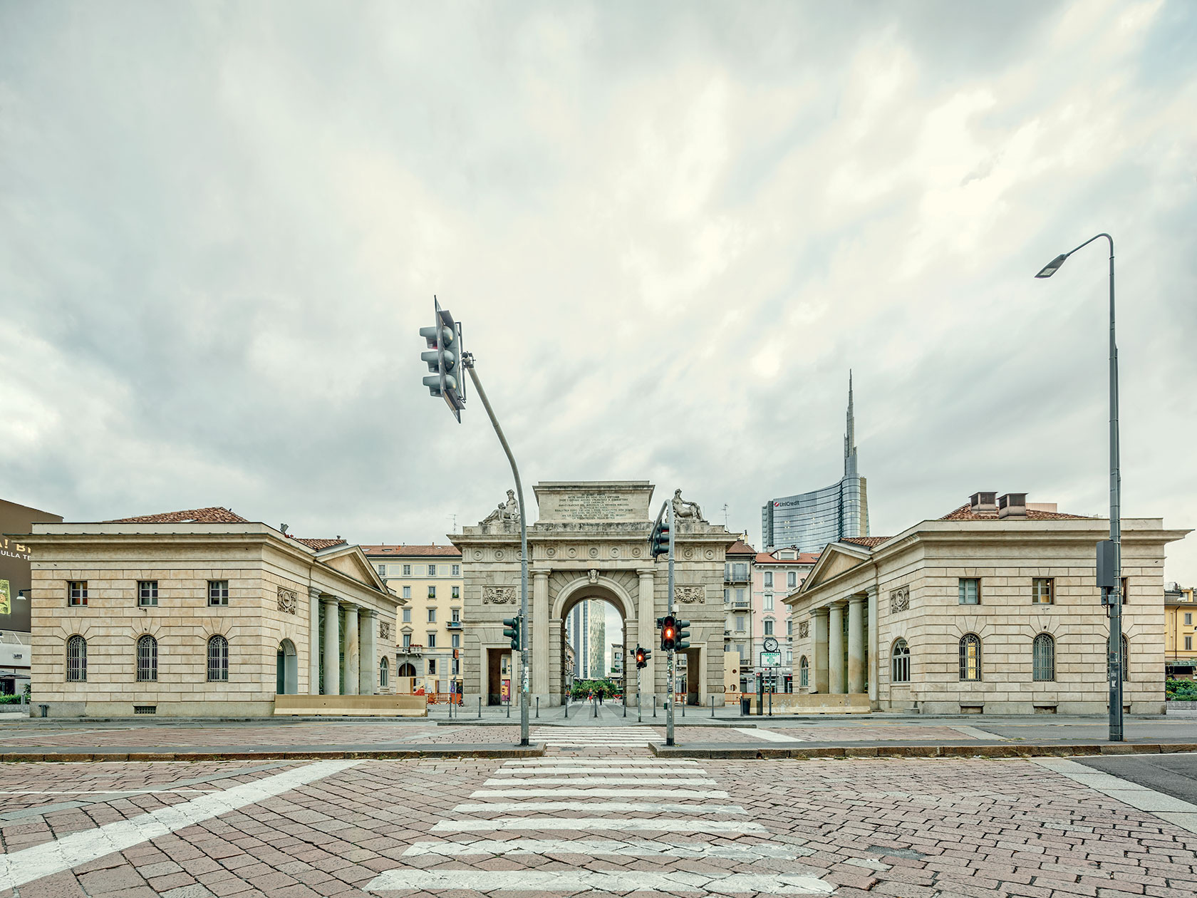 Porta Garibaldi<br />Customs Houses and Arch