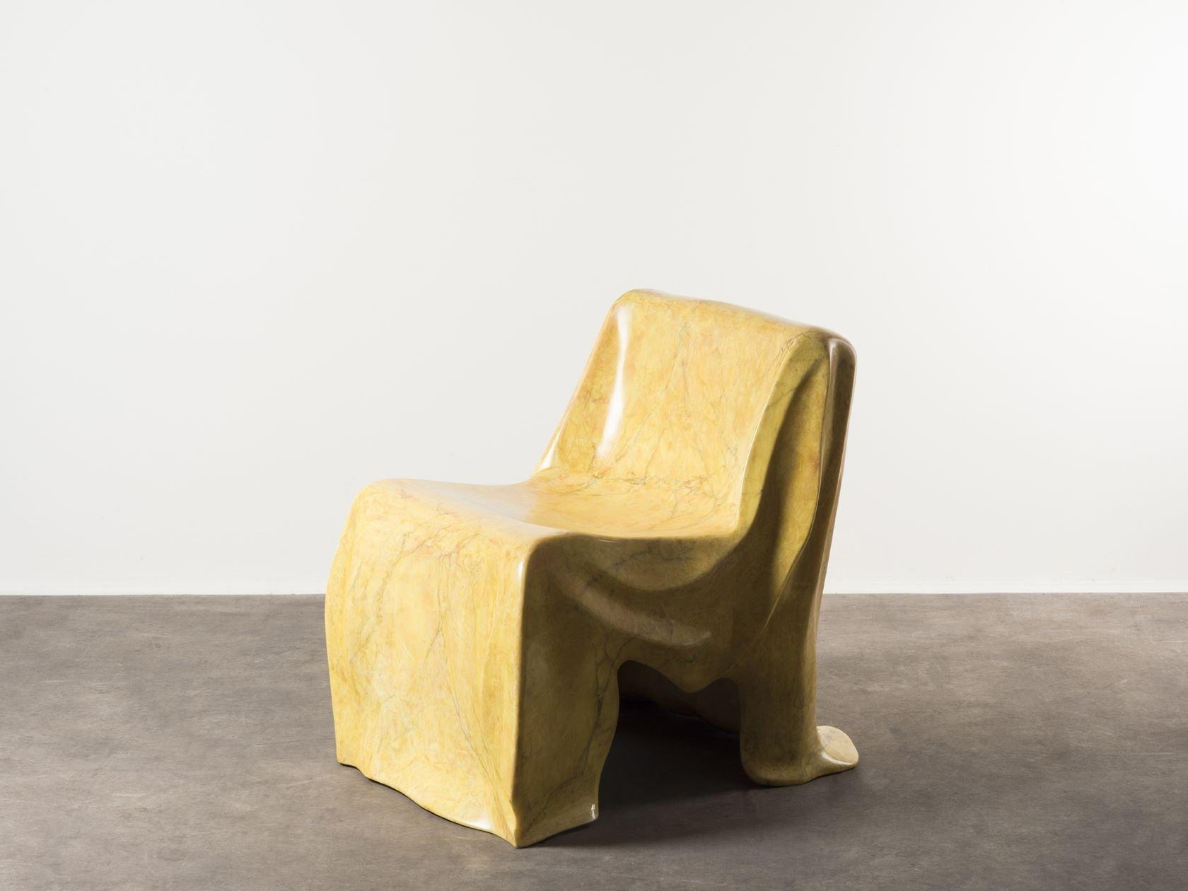 Poltrona in marmo giallo